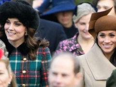 Меган Маркл на рождественской службе затмила красотой Кейт Миддлтон в несуразном наряде