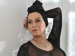 В отместку всем завистникам: 48-летняя певица Наргиз поделилась снимком обнаженных ягодиц