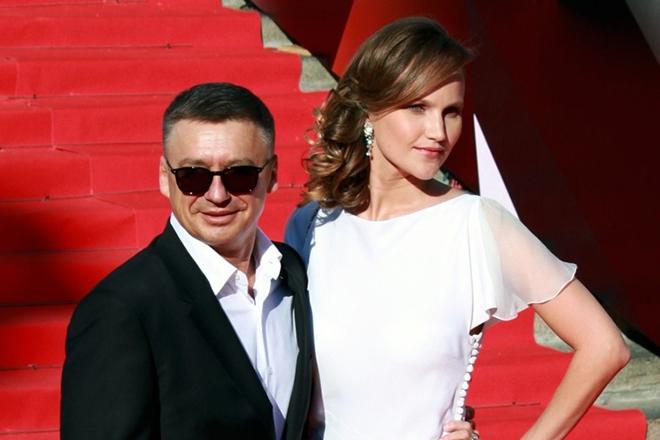 Старший сын Олега Табакова решил окончательно оборвать все связи с Россией после ухода отца