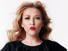 «Я песни пишу, а не моделью работаю»: Дубцова грубо ответила фанатам, не оценившим ее фигуру