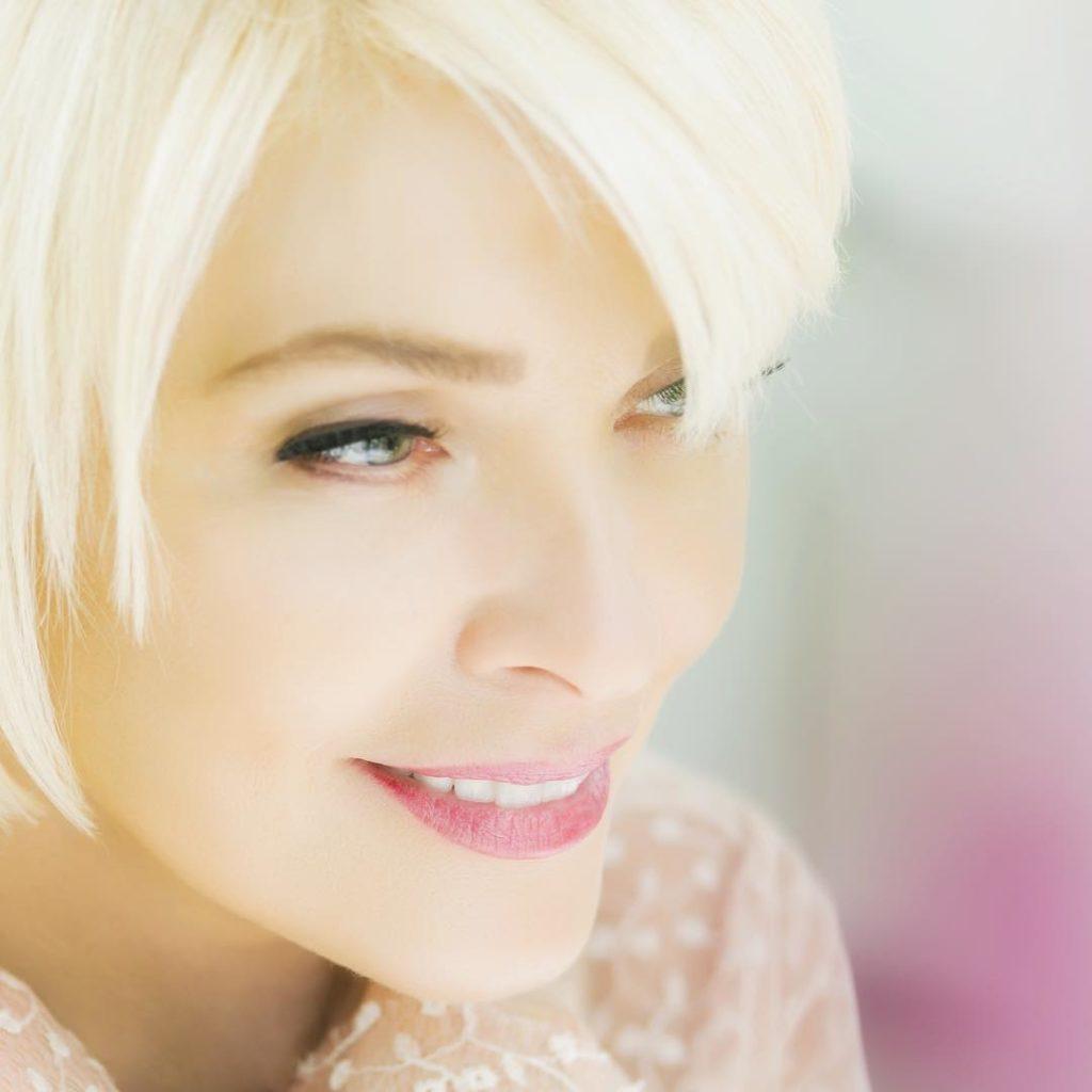 Новая бьюти-битва в разгаре: вся сеть спорит, кто красивее – Татьяна Веденеева или Лайма Вайкуле