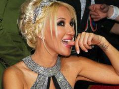 Лера Кудрявцева похвасталась полуобнаженной грудью, вызвав жаркие споры о ее натуральности