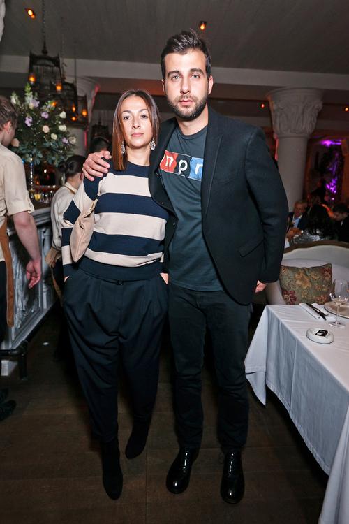 Иван Ургант впервые за долгое время вышел в свет с женой и ее внешность тут же осудили критики