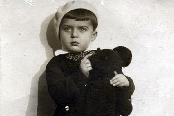 Илья Резник не смог сдержать слез, вспомнив трудное детство и предательство родной матери