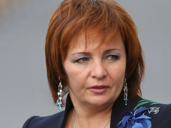 Журналистам удалось выяснить, чем сейчас занимается и какую фамилию носит Людмила Путина