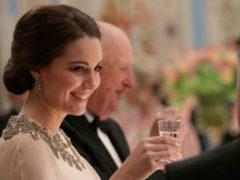 Кейт Миддлтон затмила всех красотой вечернего платья на светском мероприятии в Норвегии