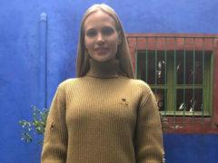 После слухов о финансовых трудностях певица Глюк'оZа вместе с мужем решили уехать из России