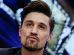 Измазанного кремом Билана, целующегося с собакой, фанаты сравнили с Алексеем Паниным