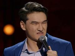 Участник стенд-ап шоу на ТНТ Нурлан Сабуров пожелал «сдохнуть» поклоннице, потерявшей отца