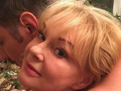 Вдова Евгения Евстигнеева не постеснялась показать интимные снимки с молодым любовником