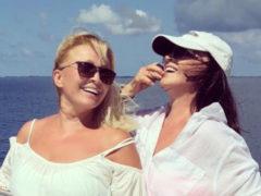 София Ротару потратила более двух миллионов на мальдивский отдых с сестрой и темнокожим парнем