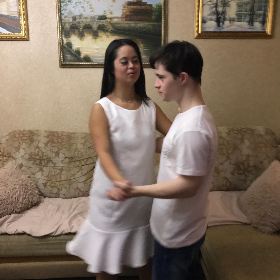 """Бойфренд """"особенной"""" дочери Ирины Хакамады опубликовал интимные снимки с любимой"""