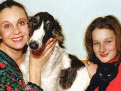 Дочь Любови Полищук играет на сцене, растит маленького сына и занимается благотворительностью