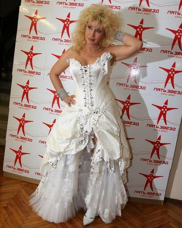 Стильно или смешно: 66-летняя Ирина Аллегрова ввела зрителей в ступор слишком смелым выбором наряда