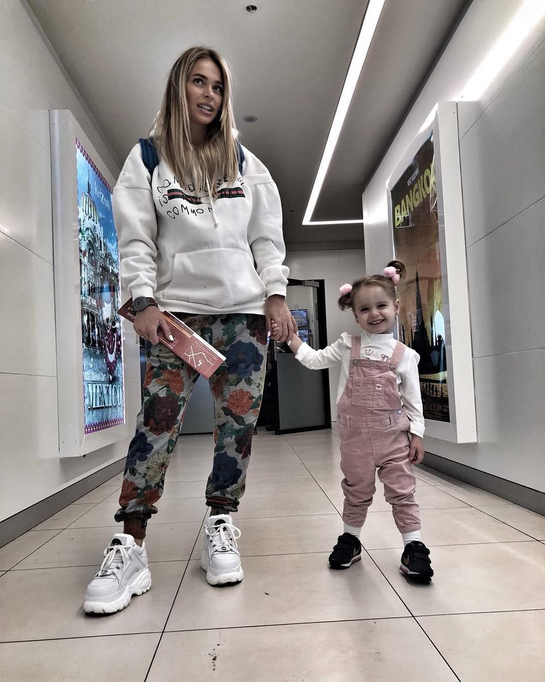 Анна Хилькевич пришла в бешенство из-за странного поведения пятой няни своей маленькой дочери