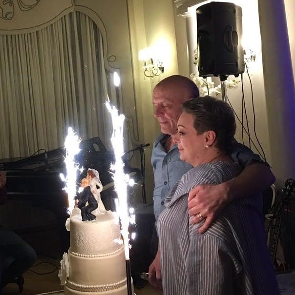 Эксклюзивные кадры: Мария Аронова тайно вышла замуж за отца своей дочери после 20 лет отношений