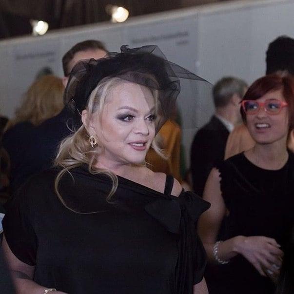 По стопам Пугачевой: 62-летняя Лариса Долина в сверкающем мини-платье свела с ума всех мужчин в сети