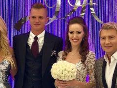 Раскрылась тайна спешной свадьбы и венчания в старом костюме бывшего Бузовой на ростовской модели