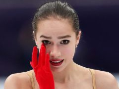Выяснились причины, по которым Алина Загитова заливалась слезами во время сдачи допинга в Милане