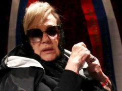 Вид измученной болезнью Галины Волчек в инвалидной коляске обеспокоил поклонников актрисы