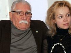 Вокруг приватных фото полуголых Джигарханяна и Цымбалюк-Романовской кипят бешеные страсти