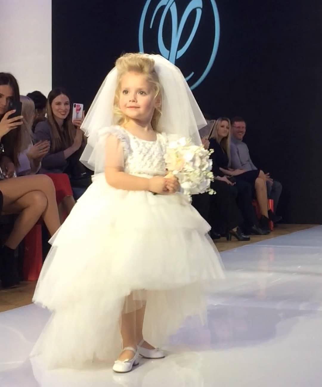 Лиза Галкина и дочь Александра Реввы сделали первые шаги на пути к будущей карьере фотомоделей