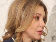 """Божена Рынска пытается скрыть возрастные изменения и """"поползшее"""" лицо с помощью фотошопа"""