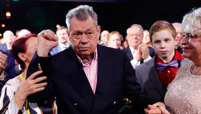 Поргина ушла от борющегося с последней стадией рака Караченцова из-за его неосторожных слов