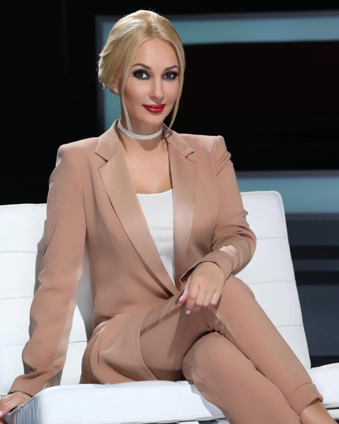 С легкой маминой руки – Лере Кудрявцевой удалось протолкнуть безработного сына на телевидение