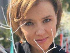Ради комплиментов в сети Ксения Алферова выставила на всеобщее обозрение смелые фото с отдыха