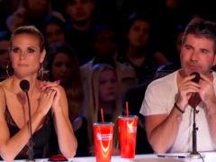 """Талантливый украинец с маской собаки """"разорвал"""" жюри и зрительный зал на шоу America's Got Talent"""