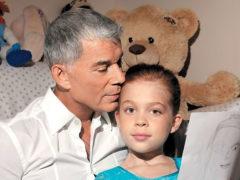 «Она божественна!»: подросшая дочь Газманова покорила пользователей сети своей яркой красотой