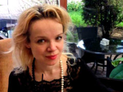 По совету свахи – похорошевшая Цымбалюк-Романовская уезжает за рубеж к мускулистому любовнику