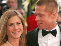 Брошенная с шестью детьми Джоли раздавлена сообщением о беременности Энистон от Питта
