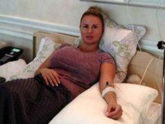 СМИ сообщили об экстренной операции по удалению опухоли из груди, проведенной Анне Семенович