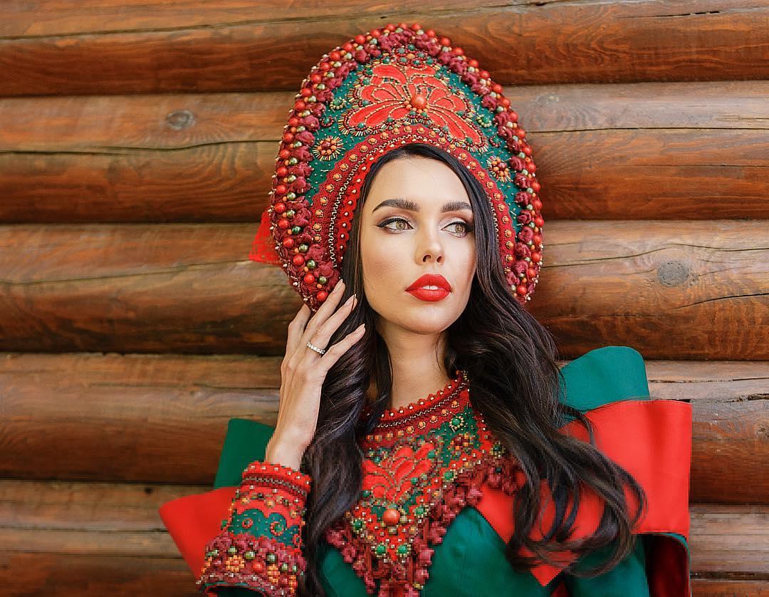 """Жена олигарха из Самары признана самой красивой женщиной в России, но нацелена на """"Миссис мира"""""""