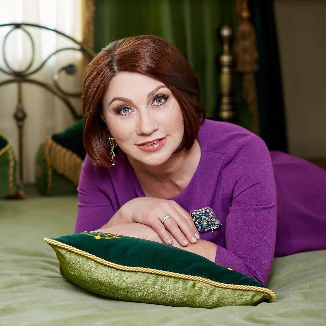 Роза Сябитова рассказала и показала, как правильно предаваться любовным утехам женщинам после 45 лет