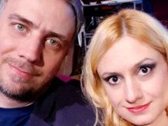 Мишулина с мужем устроили драку перед зданием суда, избив журналиста за «неудобные» вопросы