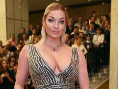 Пластические хирурги умоляют отекающую Волочкову срочно провести липосакцию и сменить грудь