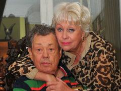 Категоричный Иосиф Кобзон требует, чтобы Поргина отправила Караченцова обратно в больницу