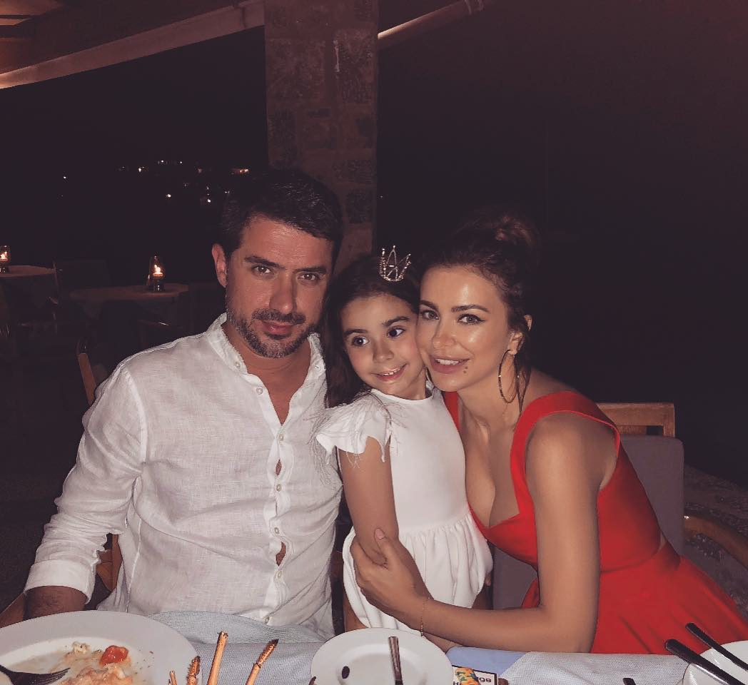 Семейное счастье под угрозой: муж Ани Лорак отлично проводит вечера в объятиях молодой киевлянки