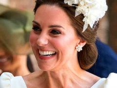 «Лысая Кейт очаровательна!»: в сети обсуждают редкую фотографию с крестин герцогини Кембриджской