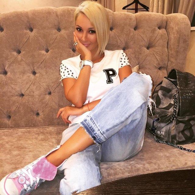 Телеведущая Лера Кудрявцева вынуждена оставить крохотную дочурку через три недели после родов