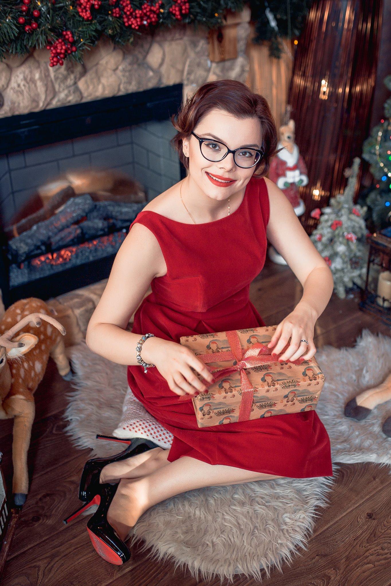 «Мать проговорилась»: соседи заявили, что молодая любовница Петросяна беременна от юмориста