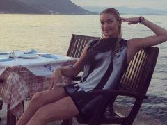 Плавать в море небезопасно: Анастасию Волочкову срочно увезли в больницу из пляжного отеля в Греции