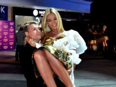 Смолов или Басков: кому удастся завоевать сердце ослепительной блондинки Виктории Лопыревой