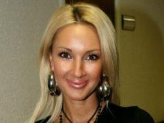 Лера Кудрявцева поделилась радостным событием: у 47-летней ведущей родился симпатичный малыш