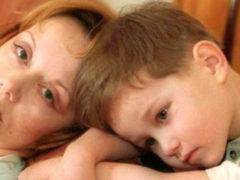 Брошенный сын Евдокии Германовой показал, в каких плачевных условиях он сейчас вынужден проживать