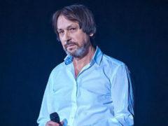 Известный музыкант просит молиться за Николая Носкова, подключенного к аппарату жизнеобеспечения