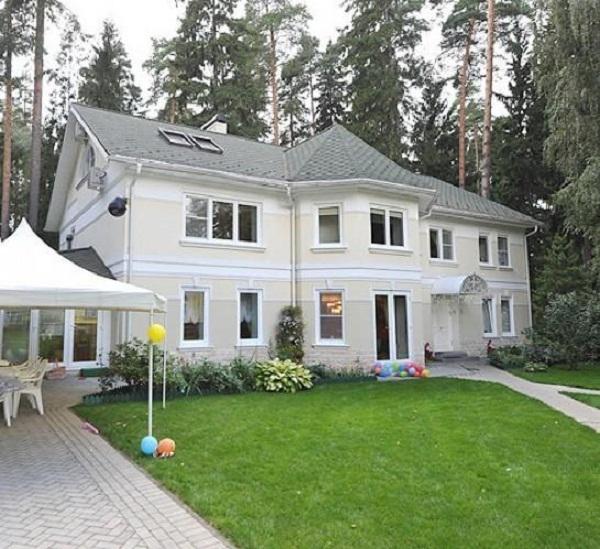 Элитная квартира, резиденция и автомобиль класса люкс: наследство Кобзона оценили почти в миллиард